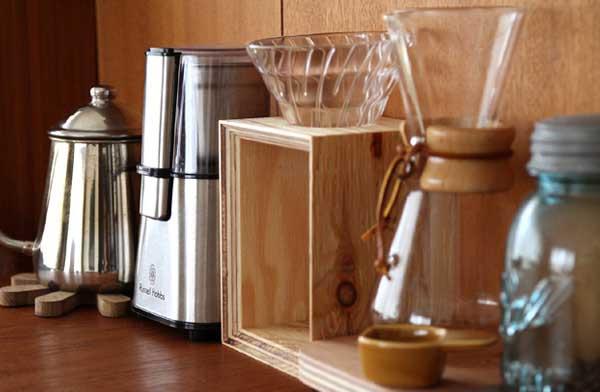 木製のおしゃれなコーヒードリッパースタンド