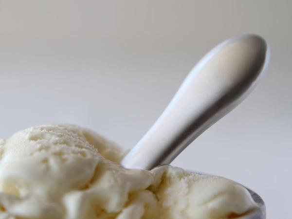 アルミ製のおしゃれなアイスクリームスプーン