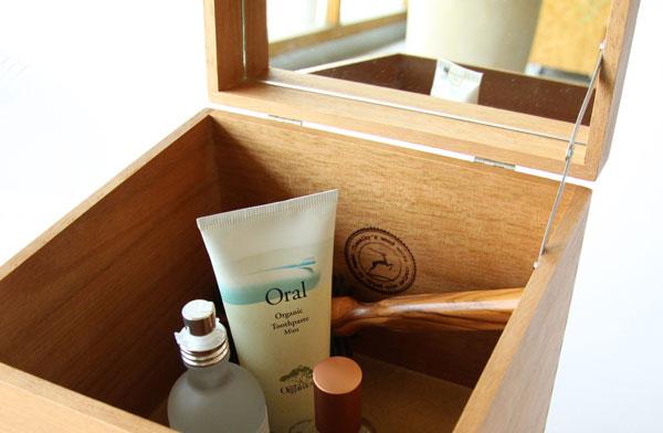 おしゃれな木製の化粧ボックス