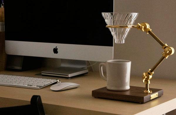 おしゃれな真鍮+木製のコーヒードリッパースタンド