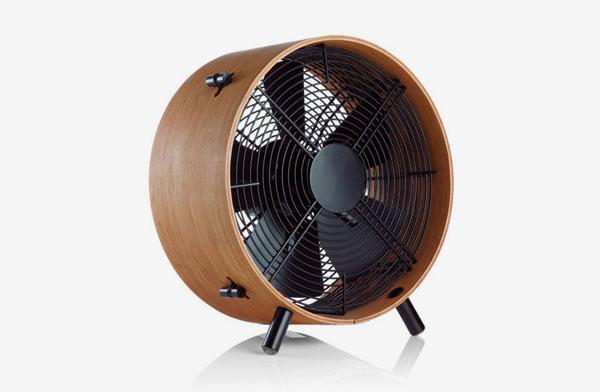 ボディに竹を採用した、インテリアに馴染むおしゃれな扇風機