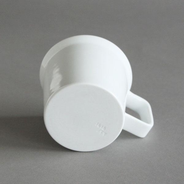 程良い大きさと形の、シンプルでおしゃれなコーヒーカップ