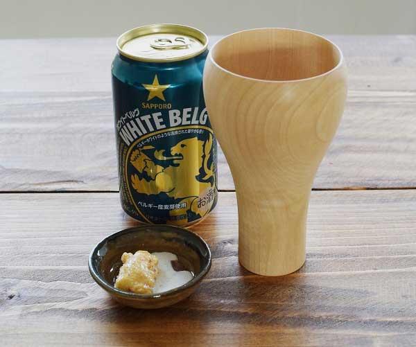 木目が美しい、木製のおしゃれなビールグラス
