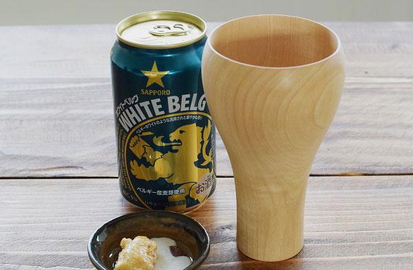 木製のおしゃれなビールグラス