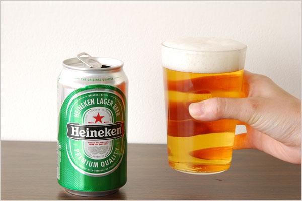 シンプルで持ちやすく洗いやすいデザインの、おしゃれな耐熱グラス