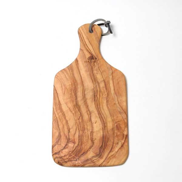 オリーブの木からできた、おしゃれなカッティングボード