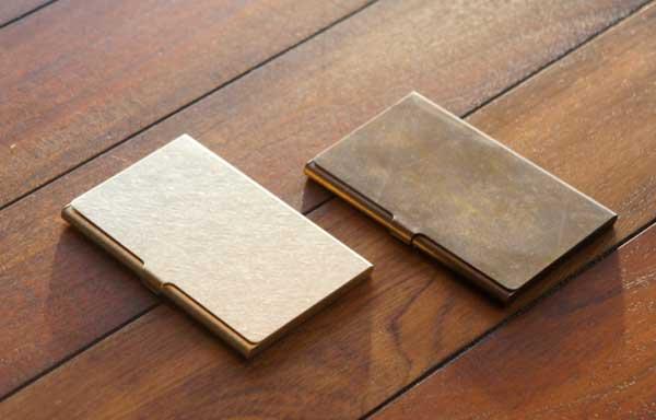 シンプルでおしゃれな真鍮のカードケース
