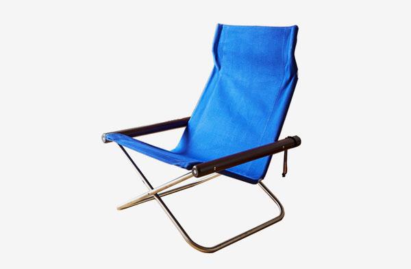 折りたたんで持ち運びができる、おしゃれなグッドデザイン賞の椅子