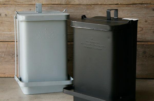 ビンテージ調のおしゃれなスチール製ゴミ箱