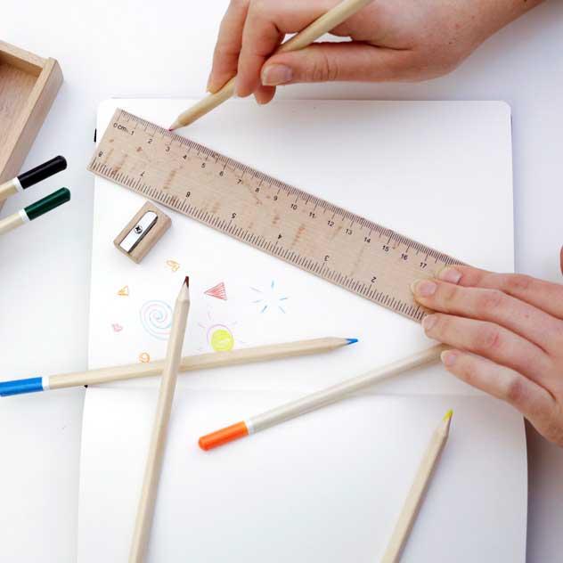 おしゃれな大人用の色鉛筆