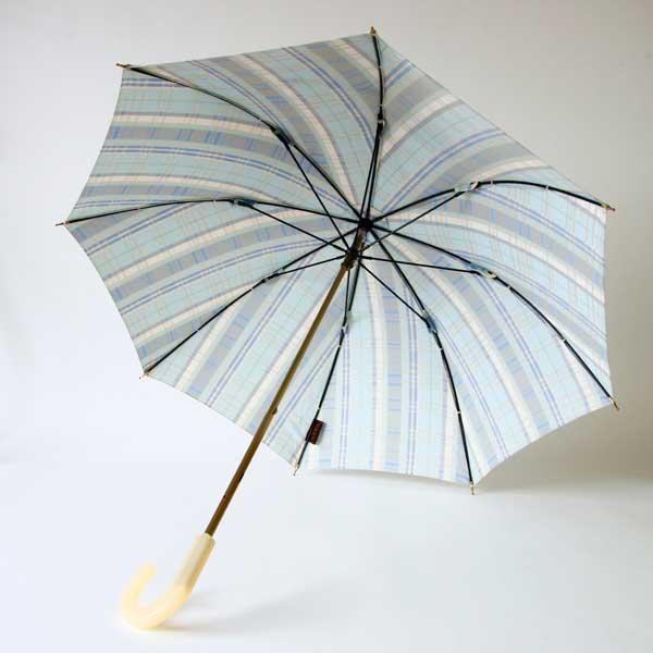 気品溢れる甲州織りのおしゃれな日傘