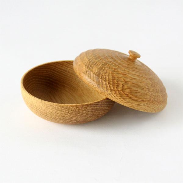 ドングリの形をした、おしゃれな小物入れ