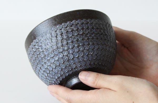 京都を代表する清水焼のおしゃれな抹茶碗