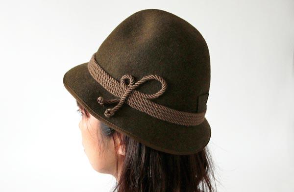 スナフキンの帽子のような、おしゃれな帽子