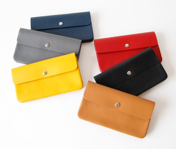 シンプルなデザインの、おしゃれな長財布