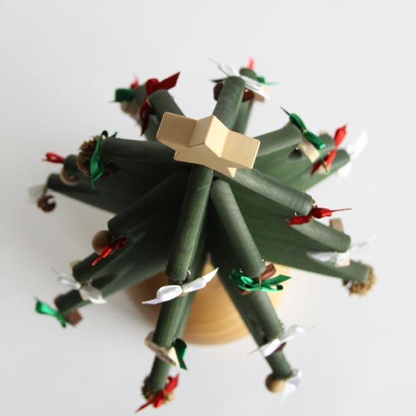 おしゃれなオルゴールのクリスマスツリー