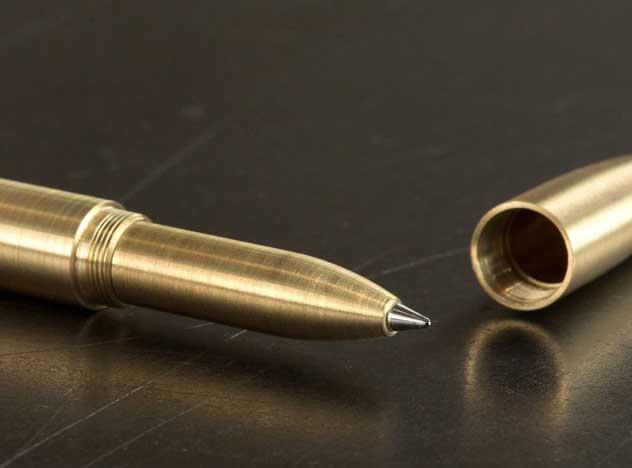 男性へのプレゼントに最適な、おしゃれな真鍮製ボールペン