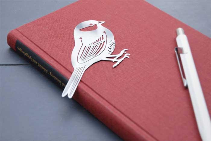 読書好きの方へのプレゼントにおすすめの、おしゃれな小鳥の栞(しおり)