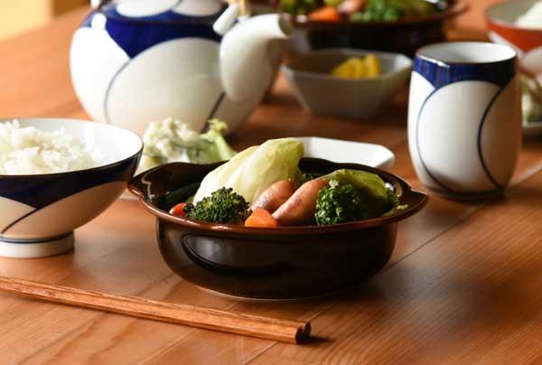 シンプルなデザインの、おしゃれなグラタン皿