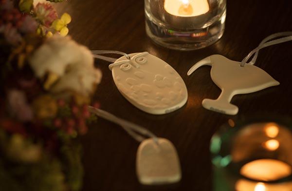 クリスマスギフトととしてもおすすめの、おしゃれな陶磁器のオーナメント