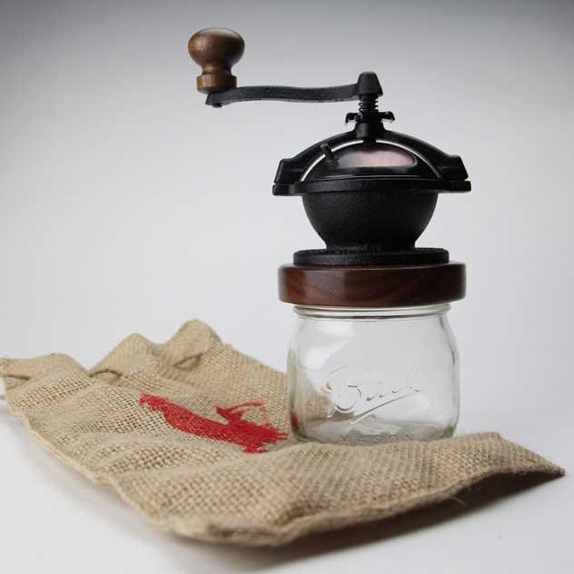 アメリカのベストセラー商品の、おしゃれな手動コーヒーミル