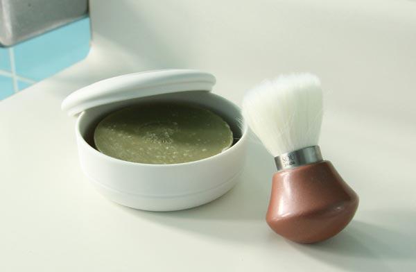 男性の髭剃りにおすすめの、おしゃれなシェービングソープのセット