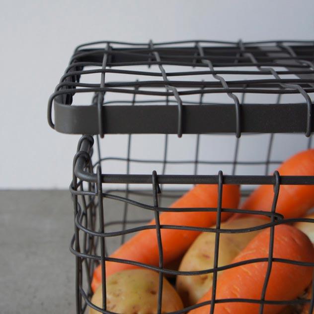 おしゃれな蓋付きのスチール製ワイヤーバスケット