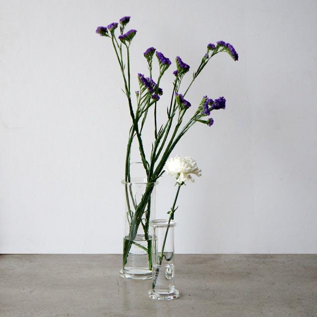 シリンダーの形をしたおしゃれなガラスの花瓶