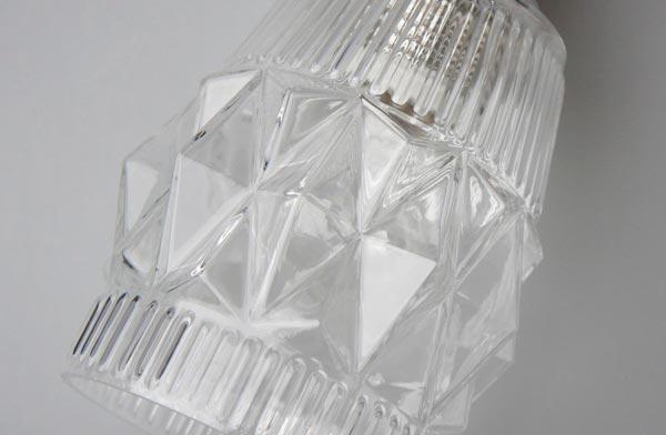 陰影が美しい、おしゃれなガラス製のペンダントライト