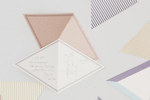三角形のおしゃれなデザインのレターセット