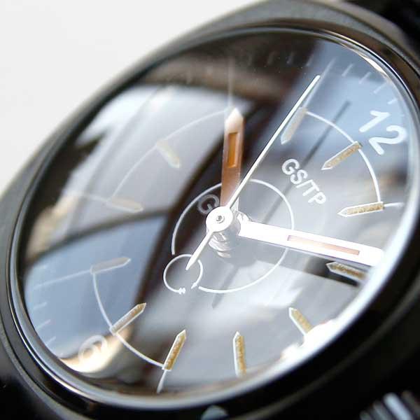 時計好きを唸らせるポイントが満載の、おしゃれな手巻きのミリタリーウォッチ