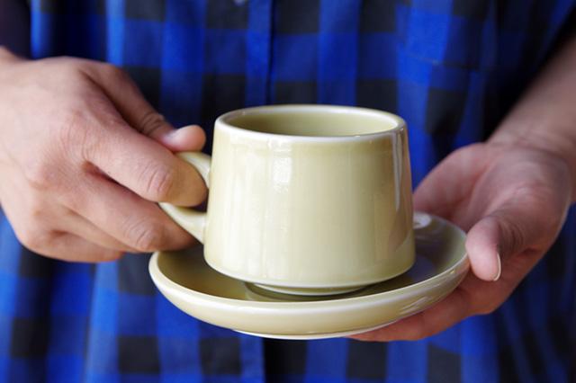 80年代アメリカンダイナーを彷彿させる、おしゃれなコーヒーカップ&ソーサー