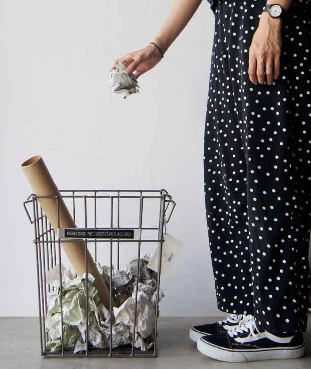 洗濯物入れなど色々な用途に使える、おしゃれなスチール製のワイヤーゴミ箱