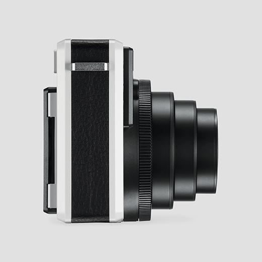 スタイリッシュなデザインがおすすめな、おしゃれなインスタントカメラ