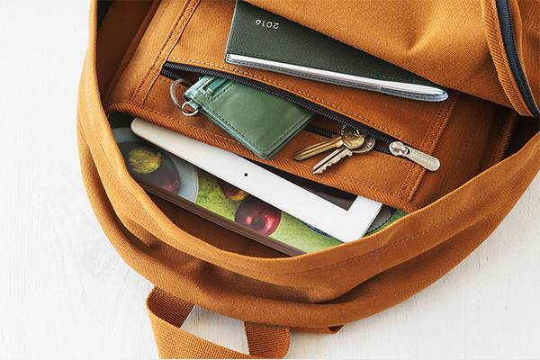 シンプルなデザインと上質な使い心地がおすすめの、おしゃれなバックパック