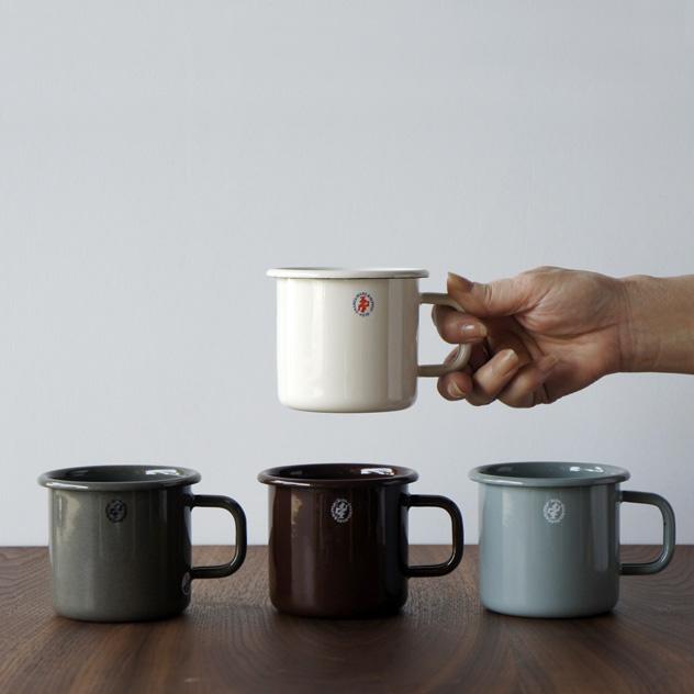 アウトドアでも日常使いでもおすすめの、おしゃれな琺瑯のマグカップ