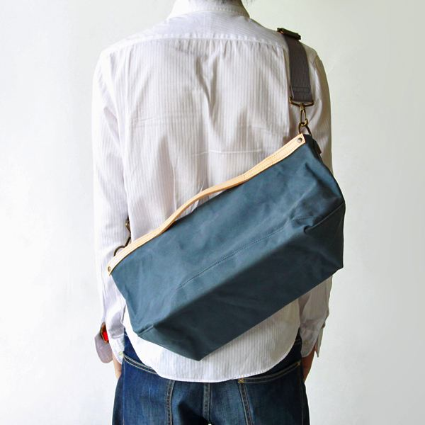 味わいが増す、倉敷帆布のおしゃれなショルダーバッグ