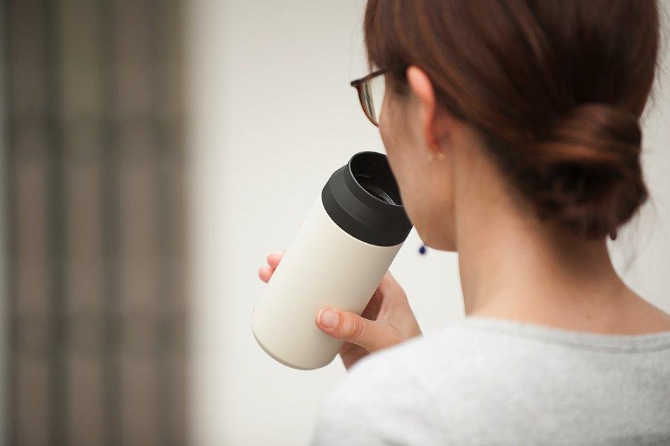 360度どこからでも飲める、機能性とシンプルさを極めた、おしゃれなタンブラー