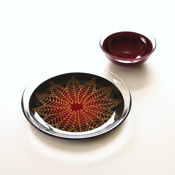 食卓が華やかになる、漆とガラスが融合したお皿