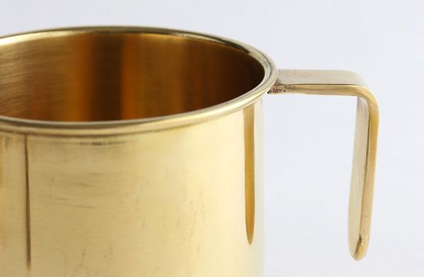 経年変化を楽しめる、おしゃれな真鍮製のマグカップ