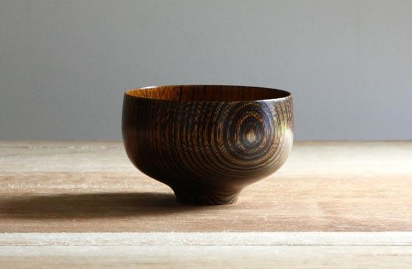 拭き漆仕上げで木目が際立って美しい、おしゃれな欅(けやき)椀