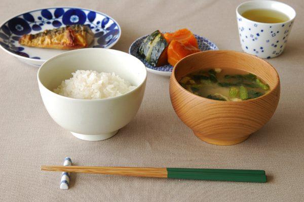 シンプルで美しい、おしゃれな白いお茶碗