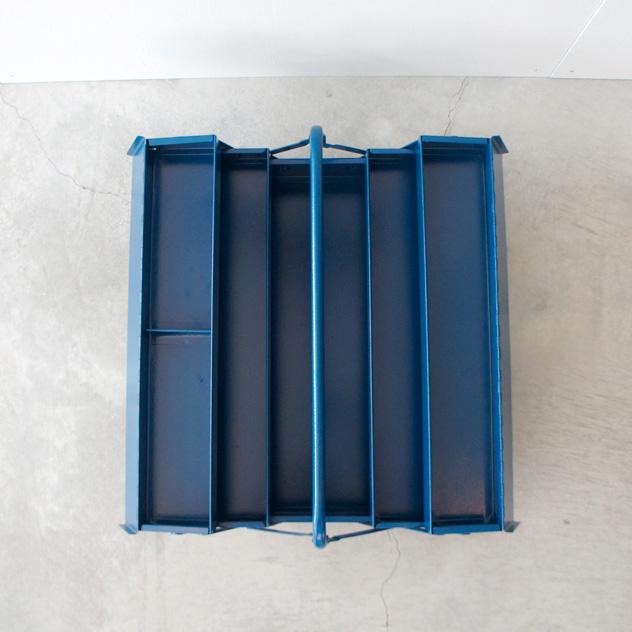 スチール製で重厚感のある、おしゃれなプロ仕様の工具箱