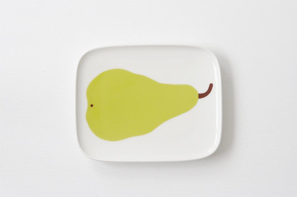 心が和む、ぽってりとした洋梨のおしゃれなテーブルウェア