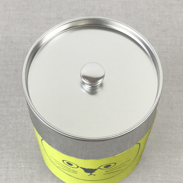 遊び心あふれるデザインの、おしゃれな猫のコーヒー缶