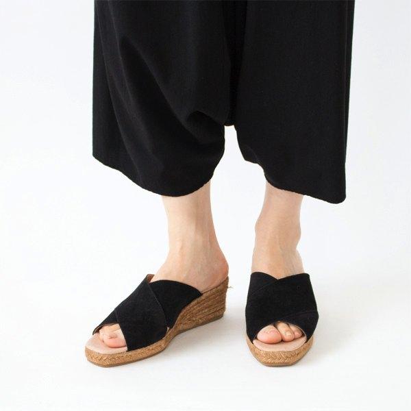 歩きやすく疲れにくい、どんなスタイルにも合わせやすいおしゃれなスペイン製ミュール