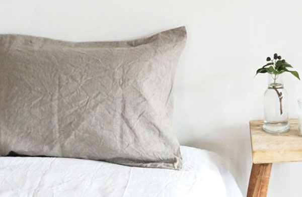吸水性、速乾性に優れていて使い込むほど味の出る、おしゃれなリネンの枕カバー