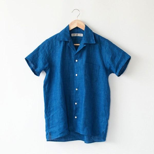 カッティングや縫製の美しさに定評のある、アメリカの老舗シャツメーカーの開襟シャツ