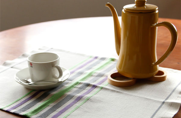 フランス・バスク地方の伝統織物で作られた、おしゃれなプレイスマット