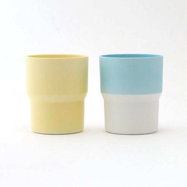 爽やかな有田焼の淡い色が美しい、おしゃれなマグカップ
